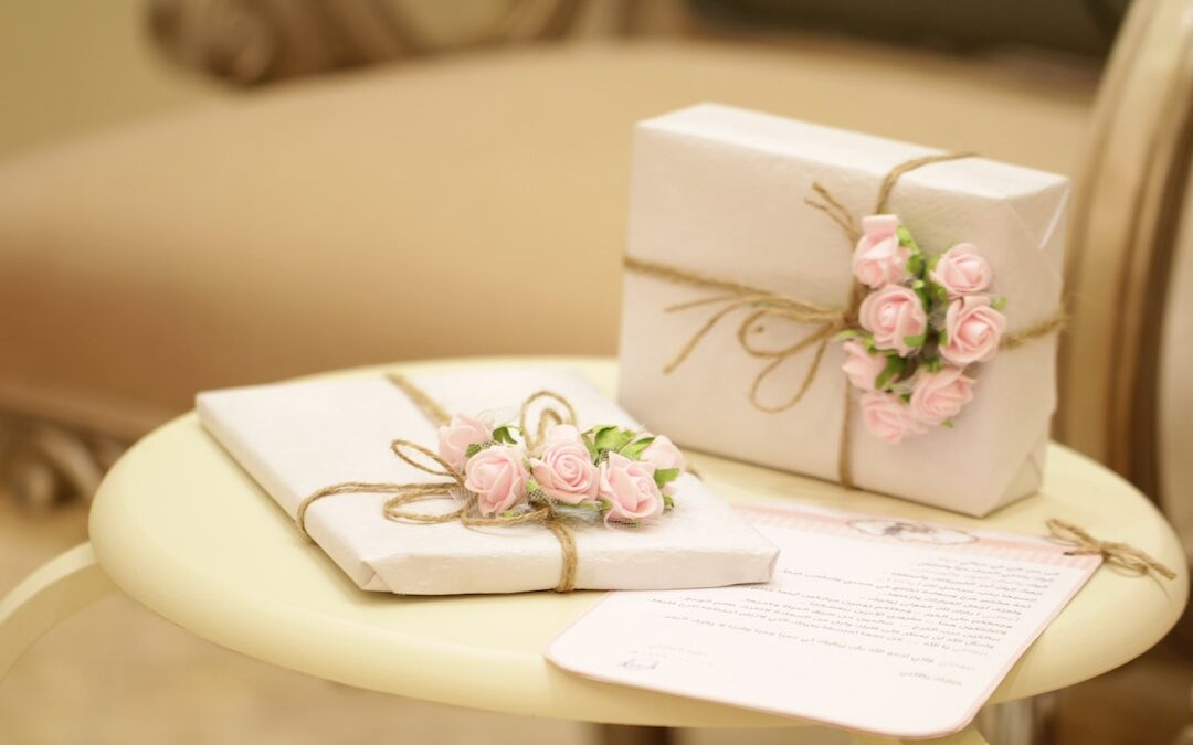 Wedding Anniversary Gifts for the first five years